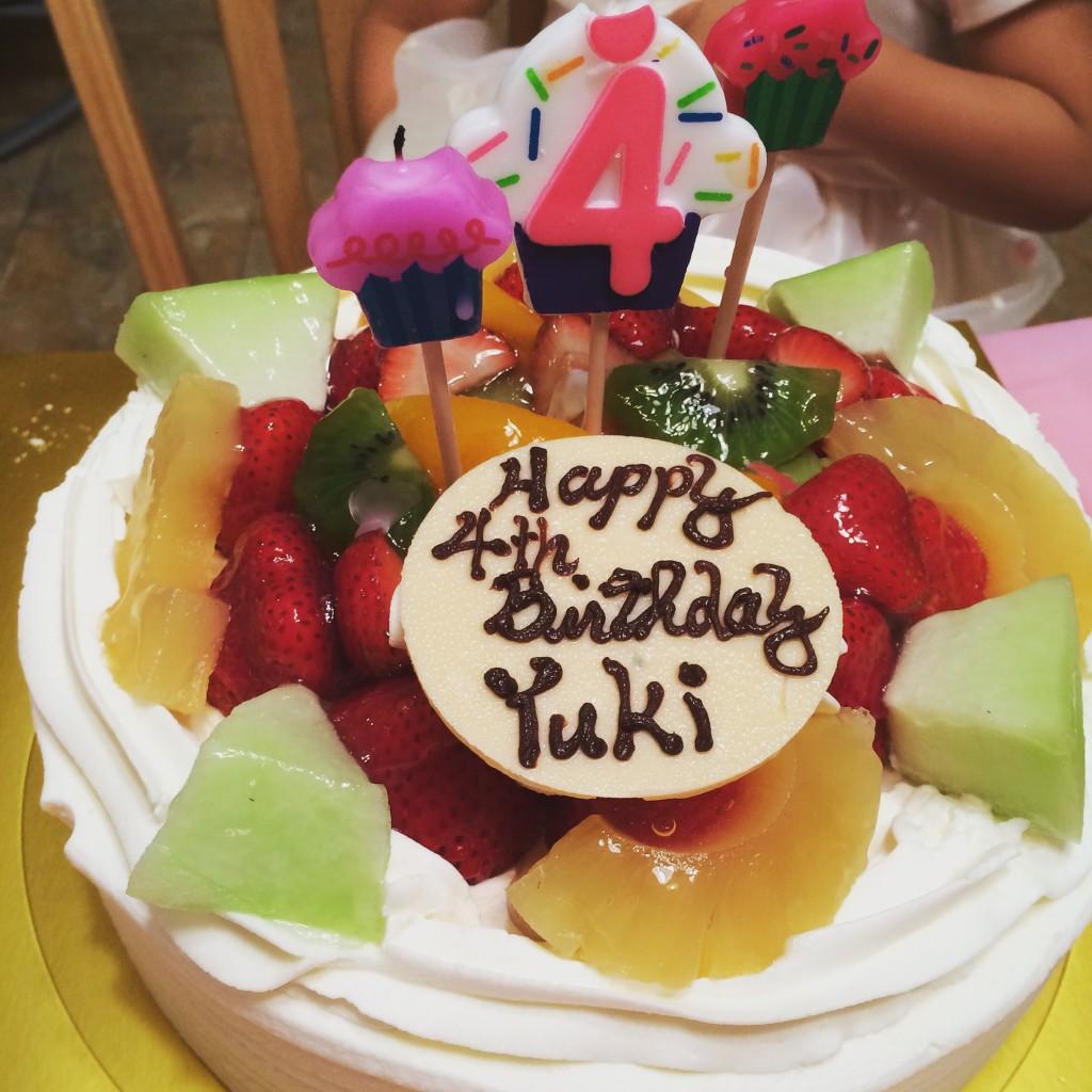 ケーキが日本食のお店で注文
