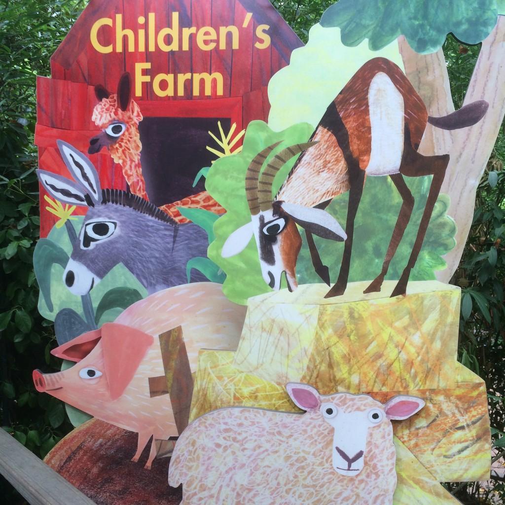 Children's Farmの看板がかわいい