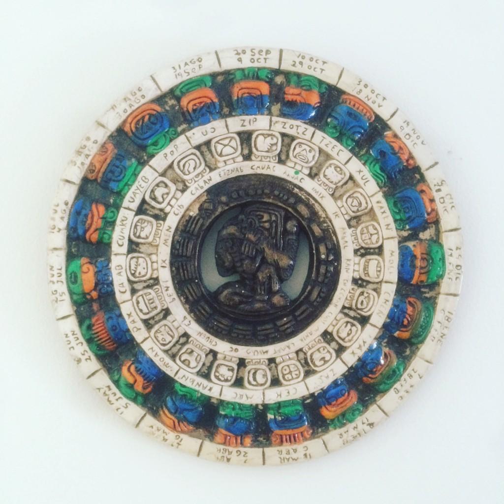 マヤの暦の壁掛け